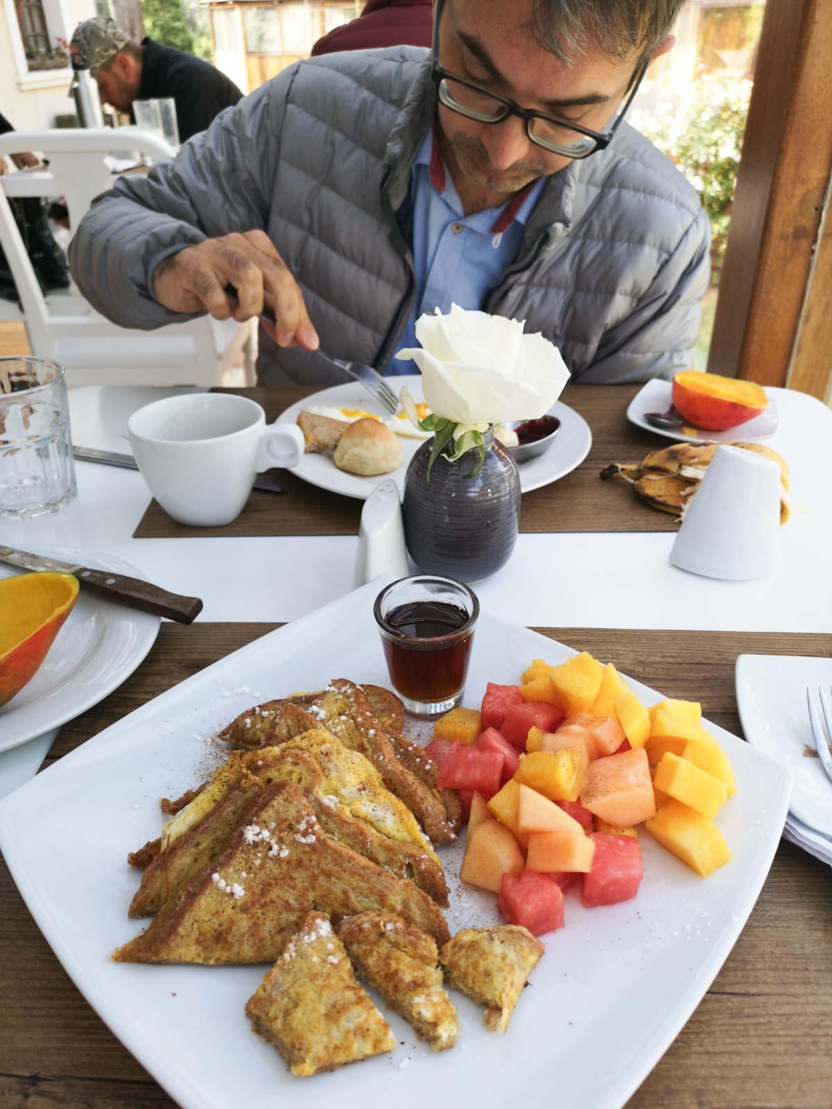 Hosteria Papagayo Breakfast