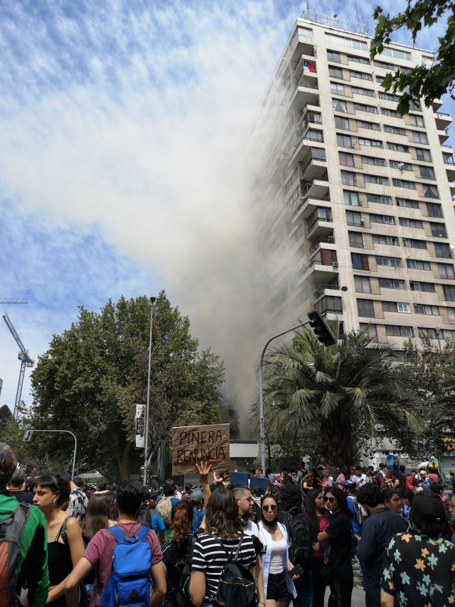 A bank on fire in Plaza Italia